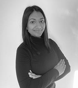 Francesca Rizal Chagée de Communication